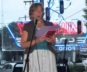 Alyce Wilson reading poetry